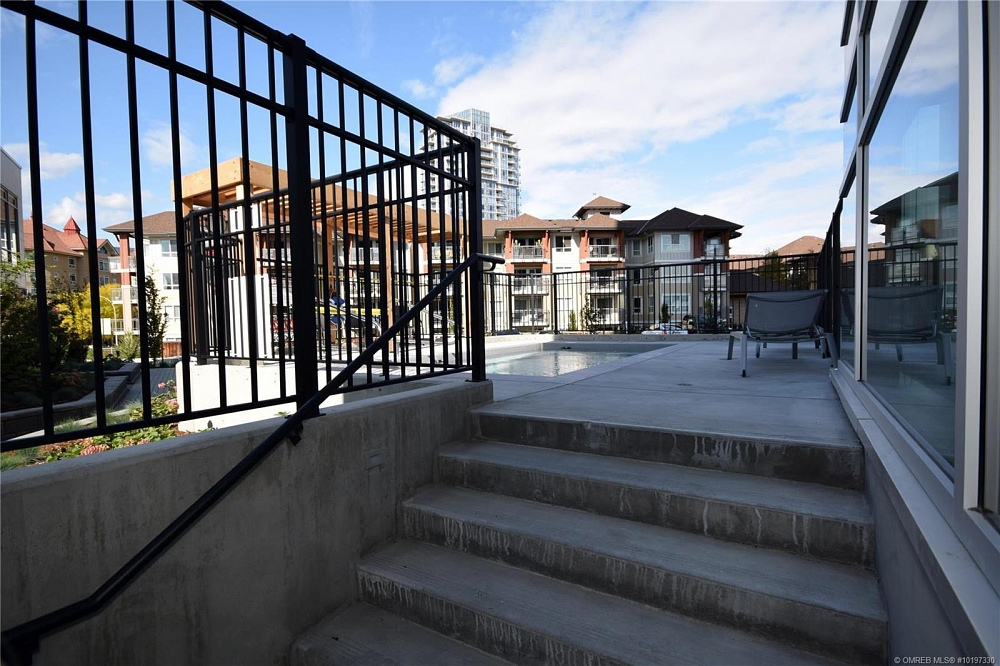 #101 1151 Sunset Drive Kelowna Photo 30
